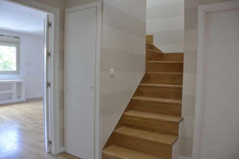 Hall y escalera ático