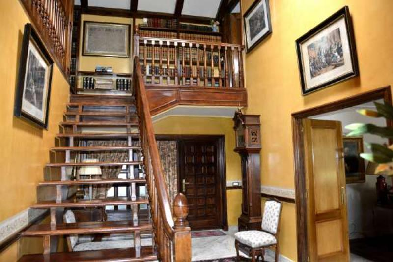 escalera piso arriba